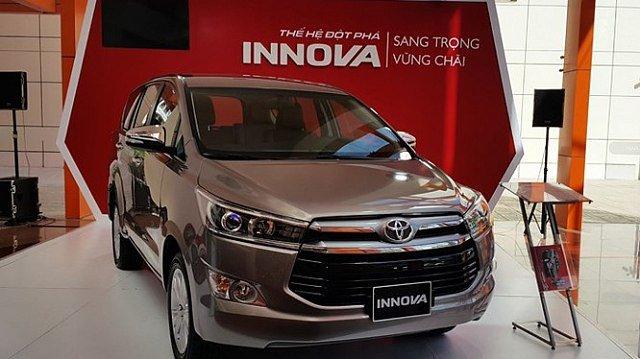 Toyota Innova bất ngờ giảm giá 30 triệu tại đại lí.