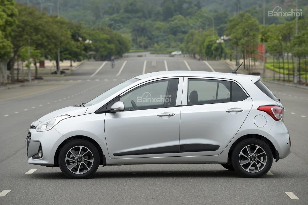 VinFast Fadil cao cấp và Hyundai Grand i10 1.2 AT về thân xe 2