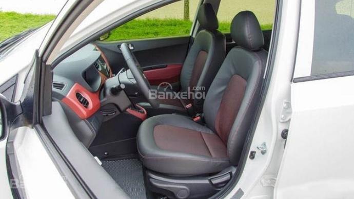 VinFast Fadil cao cấp và Hyundai Grand i10 1.2 AT về trang bị ghế ngồi 2