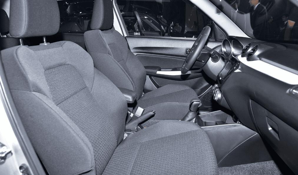 Ảnh chụp ghế trước xe Suzuki Swift 2019-2020