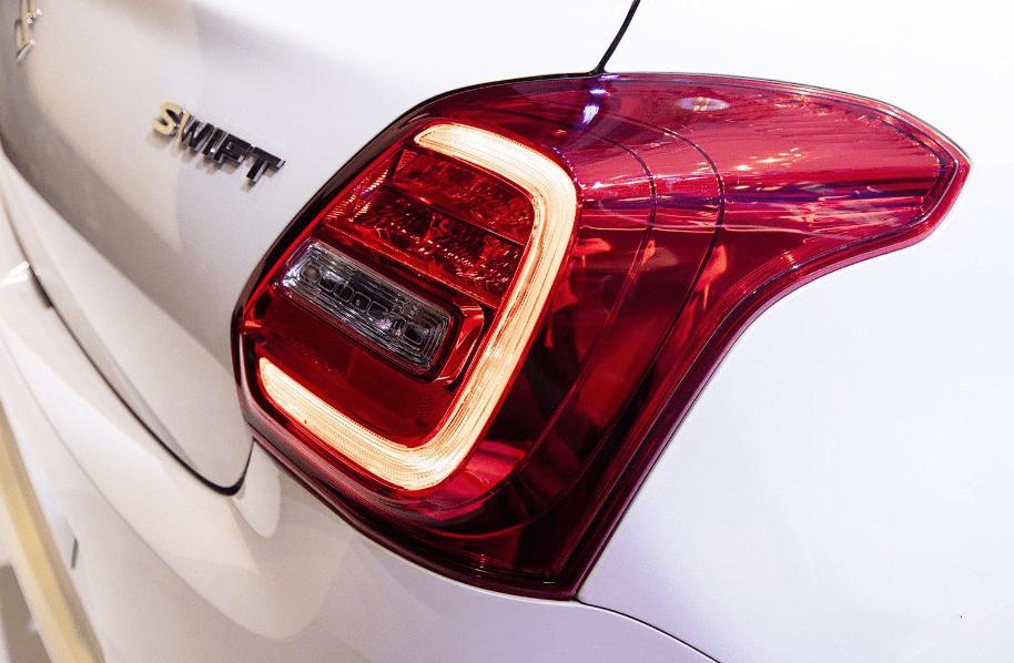 Ảnh chụp đèn hậu xe Suzuki Swift 2019-2020