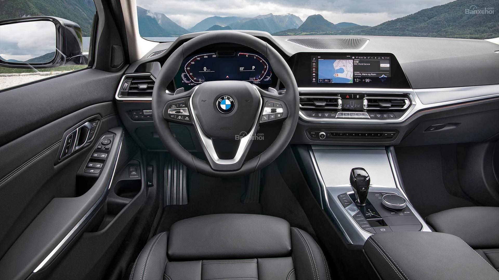 Đánh giá xe BMW 3-Series 2019 về trang bị tiện nghi.