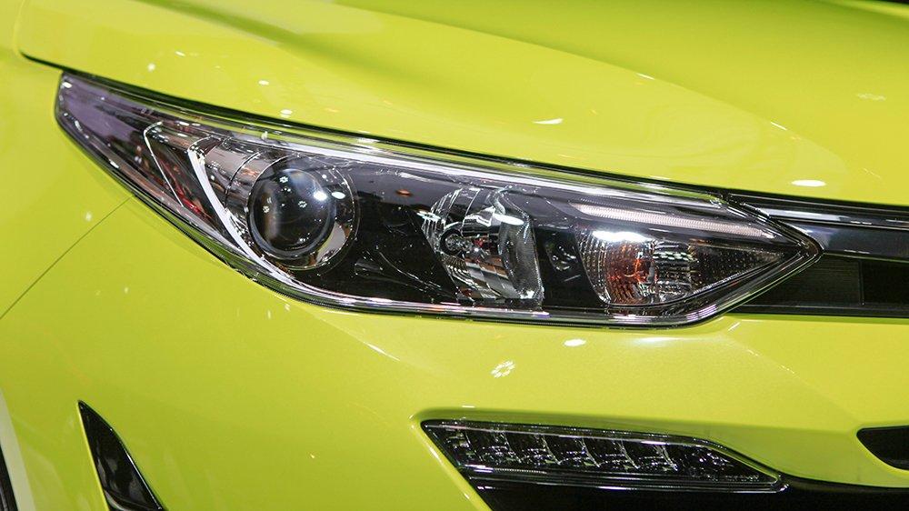 Đèn xe Toyota Yaris 2019...