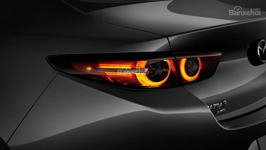 Đánh giá xe Mazda 3 2019: Đèn hậu.