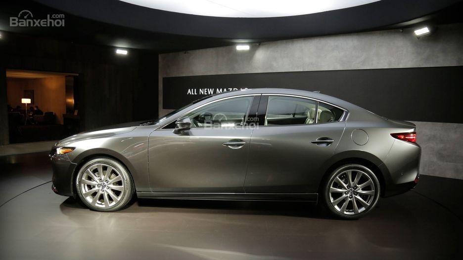 Đánh giá xe Mazda 3 2019: Thân xe.