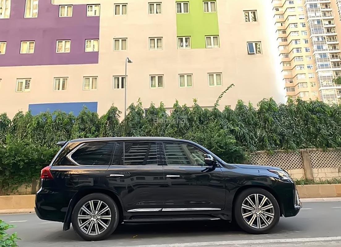 Cần bán lại xe Lexus LX 570 sản xuất năm 2015, màu đen, xe nhập số tự động-0