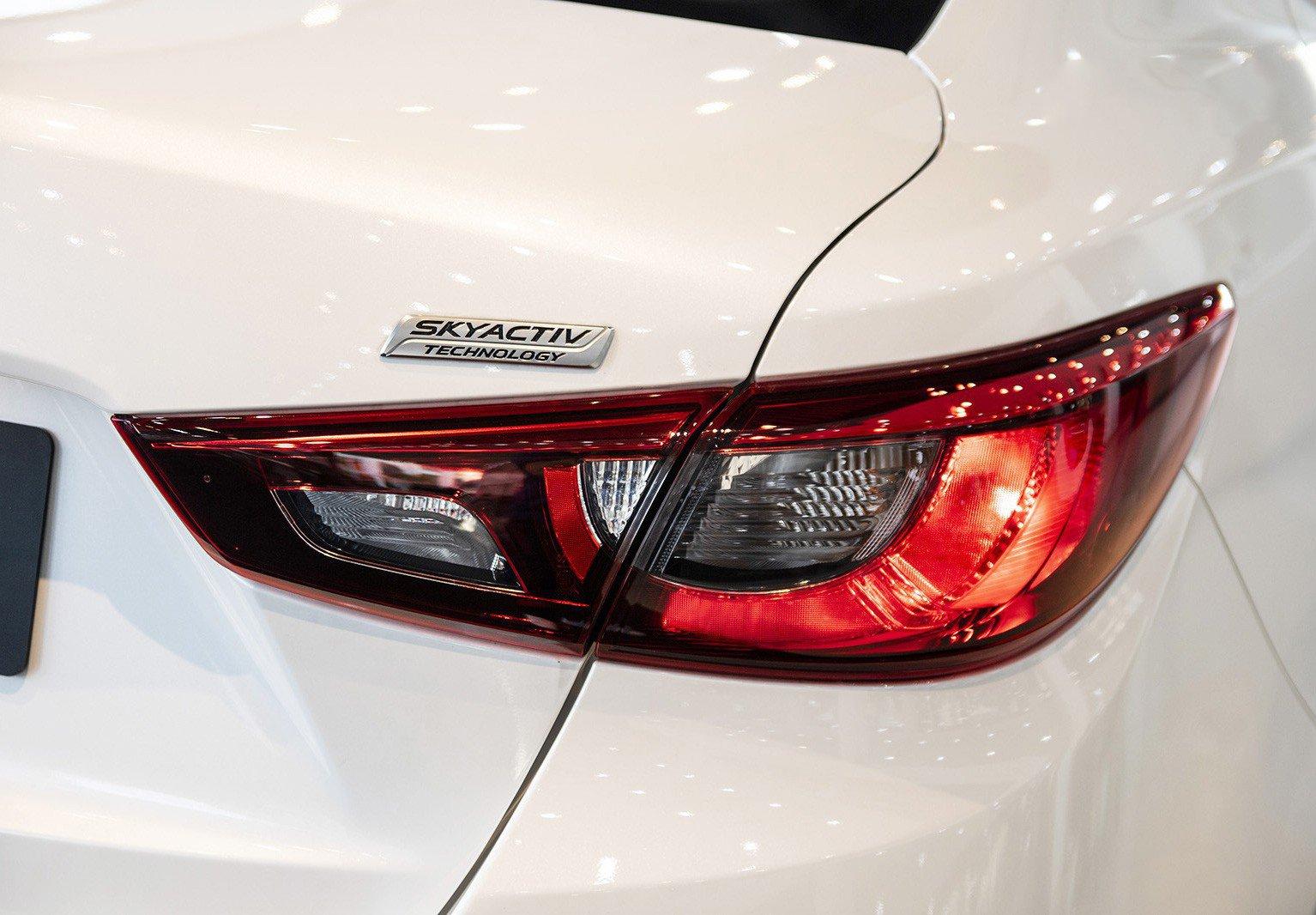 So sánh xe Suzuki Swift 2019 và Mazda 2 2019: Mua hatchback hạng B nào cho phải? 26