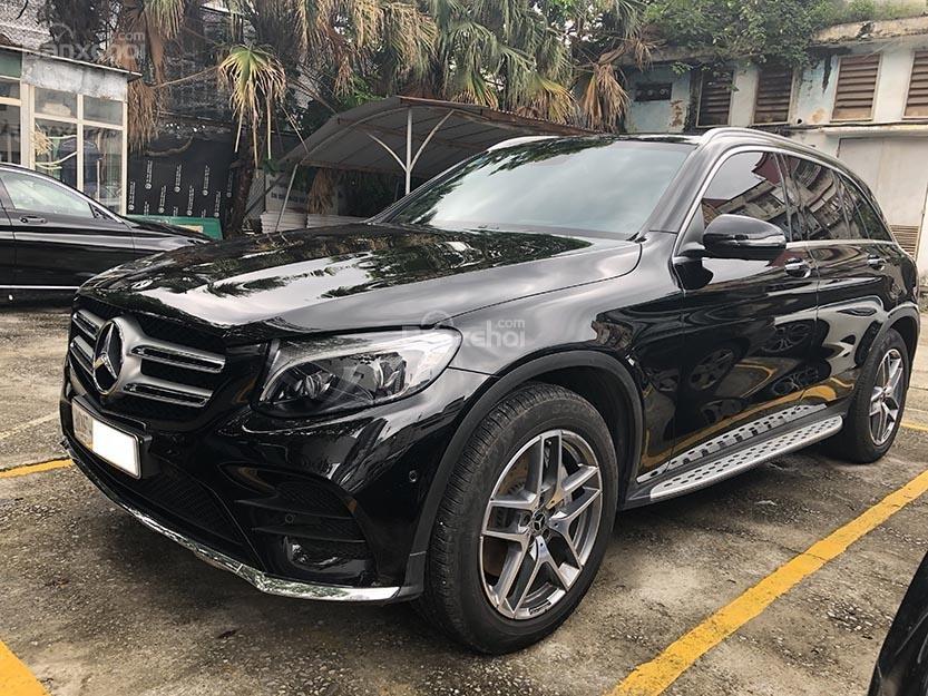 Bán xe GLC 300 cũ sản xuất 2018, màu đen, nội thất nâu xe cực đẹp như mới, giá rất rẻ (1)