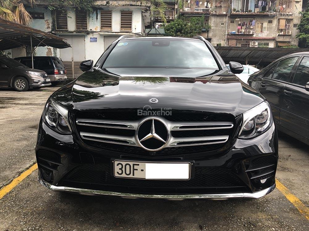 Bán xe GLC 300 cũ sản xuất 2018, màu đen, nội thất nâu xe cực đẹp như mới, giá rất rẻ (2)