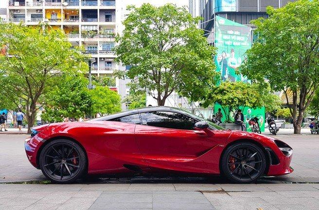 Bắt gặp McLaren 720S bản hiệu suất cao đỏ rực rỡ lượn phố Sài Gòn a3