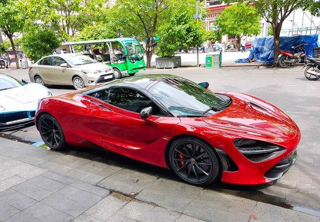 Bắt gặp McLaren 720S bản hiệu suất cao đỏ rực rỡ lượn phố Sài Gòn a10