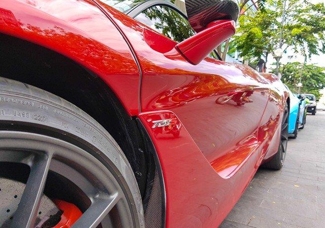 Bắt gặp McLaren 720S bản hiệu suất cao đỏ rực rỡ lượn phố Sài Gòn a5