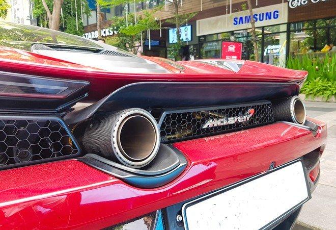 Bắt gặp McLaren 720S bản hiệu suất cao đỏ rực rỡ lượn phố Sài Gòn a9