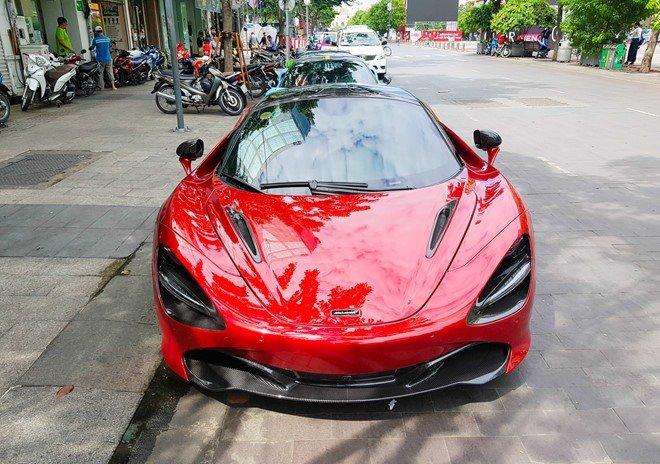 Bắt gặp McLaren 720S bản hiệu suất cao đỏ rực rỡ lượn phố Sài Gòn a2