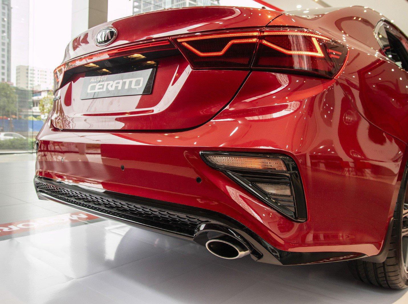Ảnh chụp ống xả xe Kia Cerato Premium 2.0L 2019