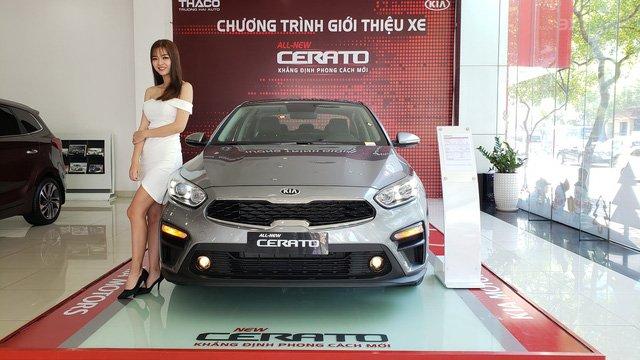 Ảnh chụp đầu xe Kia Cerato Premium 2.0L 2019