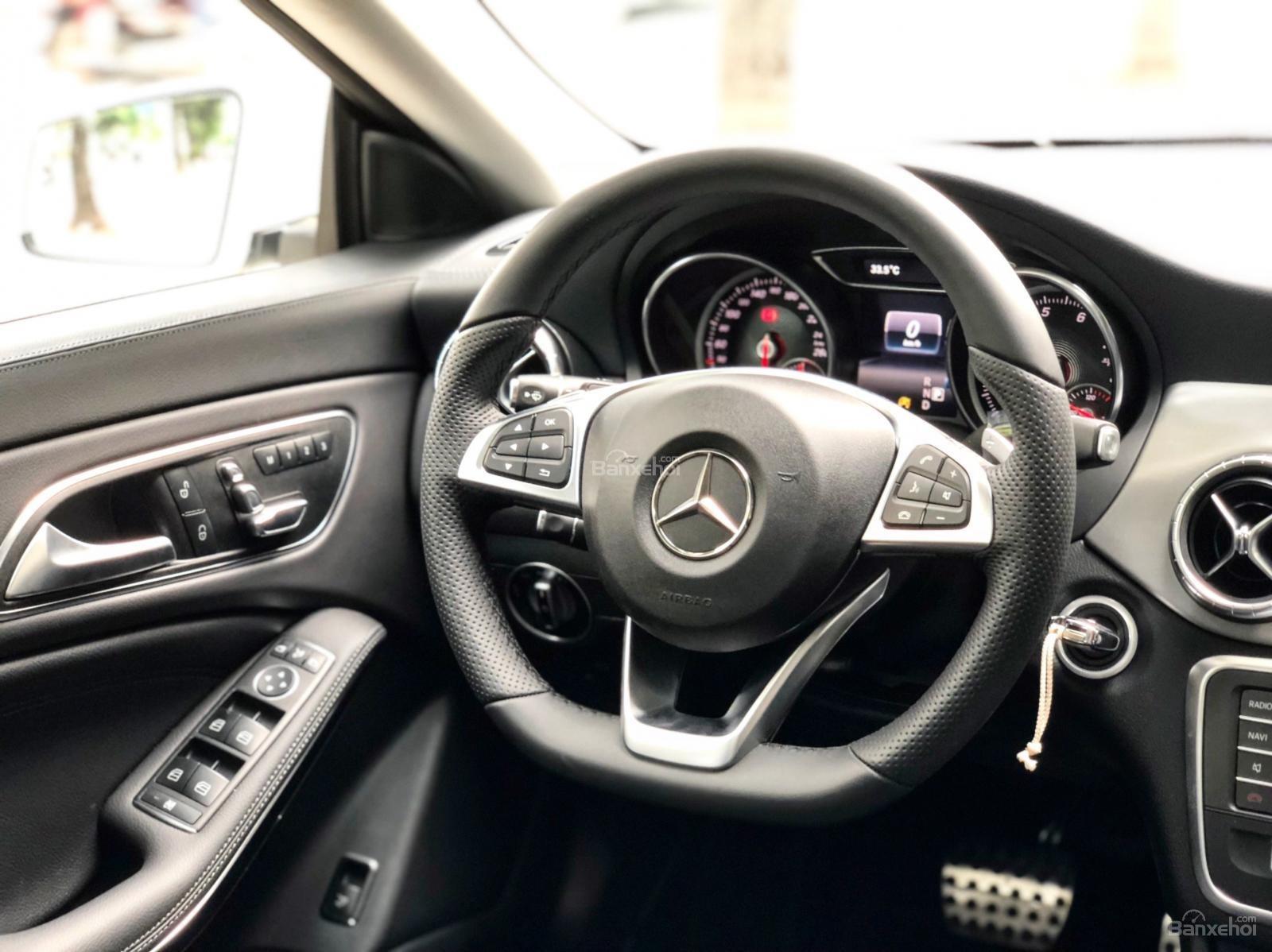 Bán Mercedes CLA250 2017, nhập khẩu chính chủ chạy lướt-8