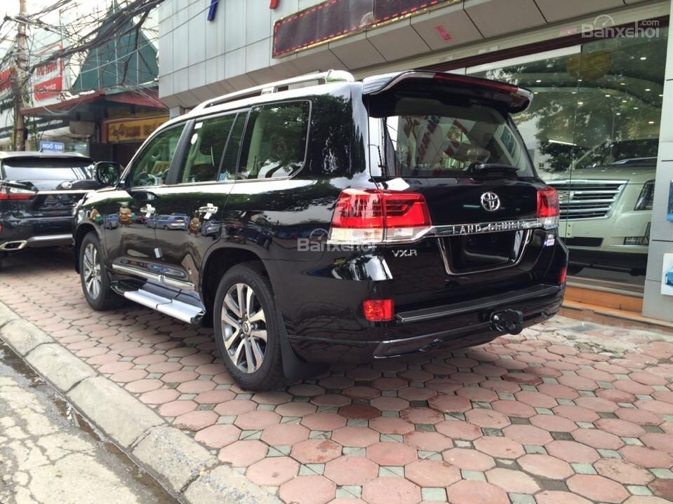 Bán ô tô Toyota Land Cruiser VX.R 4.6 Model 2017, màu đen, xe nhập Trung Đông mới 100% LH: 0982.84.2838-5