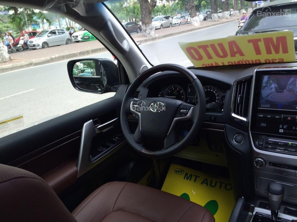 Bán ô tô Toyota Land Cruiser VX.R 4.6 Model 2017, màu đen, xe nhập Trung Đông mới 100% LH: 0982.84.2838-16