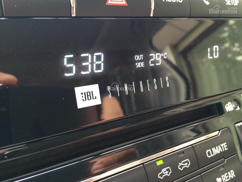 Bán ô tô Toyota Land Cruiser VX.R 4.6 Model 2017, màu đen, xe nhập Trung Đông mới 100% LH: 0982.84.2838-20