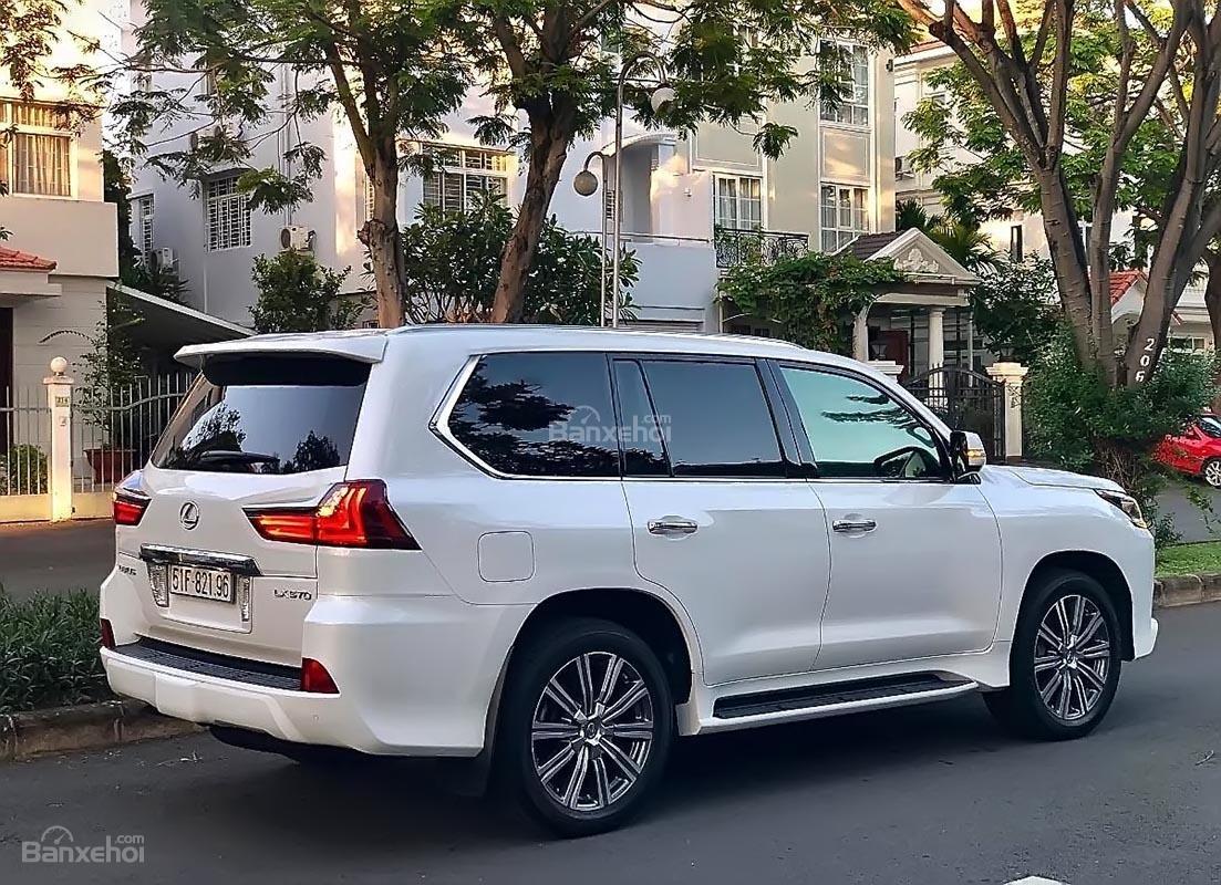 Bán Lexus LX 570 sản xuất 2017, màu trắng, xe nhập xe gia đình-0