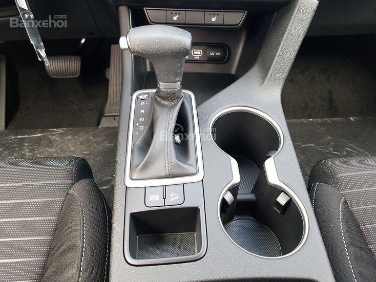 Đánh giá xe Kia Sportage 2019 bản Mỹ: Hiệu suất nhiên liệu đáng nể - 2b