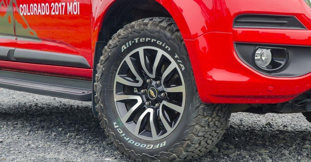 Đánh giá xe Chevrolet Colorado 2019 HighCountry: La-zăng 18 inch 1