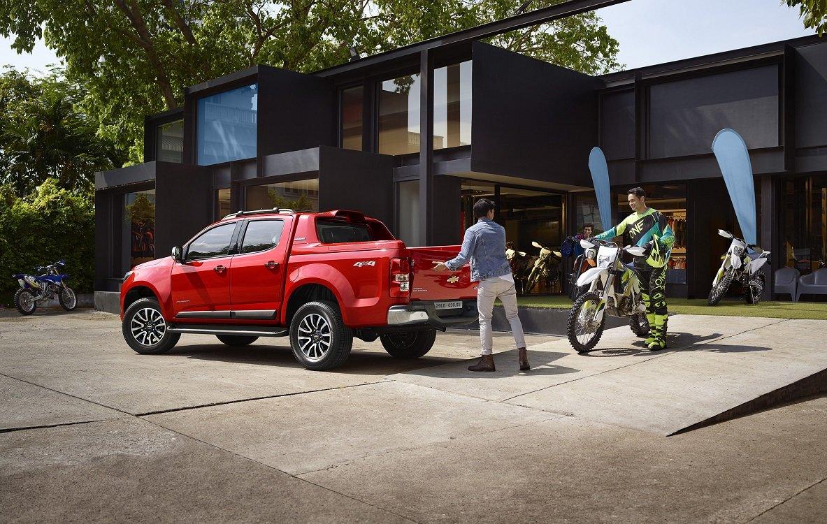 Đánh giá xe Chevrolet Colorado 2019 HighCountry về khoang chứa đồ a4