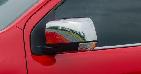 Đánh giá xe Chevrolet Colorado 2019 HighCountry: Gương chiếu hậu chỉnh điện, gập điện tích hợp đèn báo rẽ 1