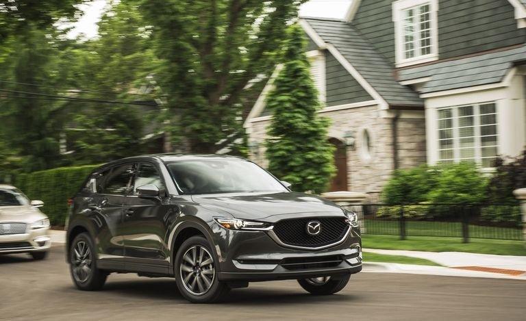 Top xe CUV ăn khách nhất năm 2018: Mazda CX-5 và Honda CR-V đối chọi gay gắt.