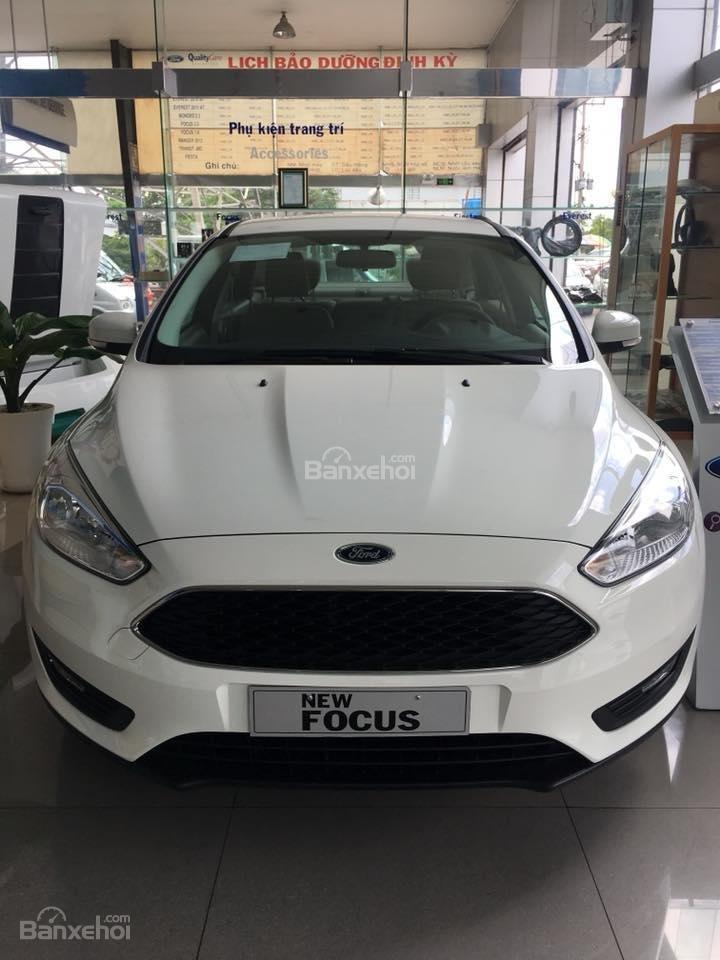 Bán Ford Focus 2018 Ecoboost, tặng ngay: Dán phim, camera hành trình, ghế bọc da, giao xe toàn quốc-0