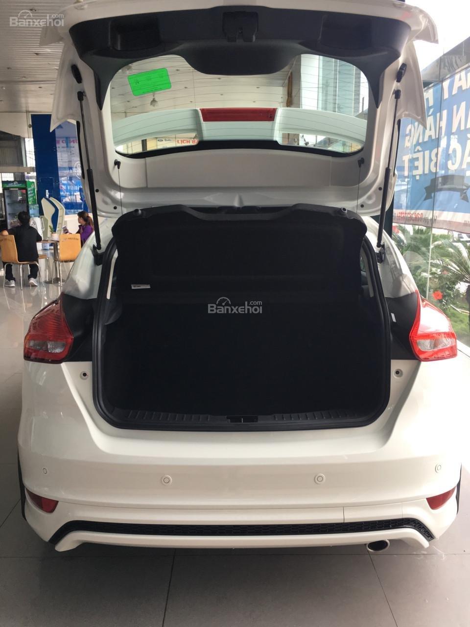 Bán Ford Focus 2018 Ecoboost, tặng ngay: Dán phim, camera hành trình, ghế bọc da, giao xe toàn quốc-4