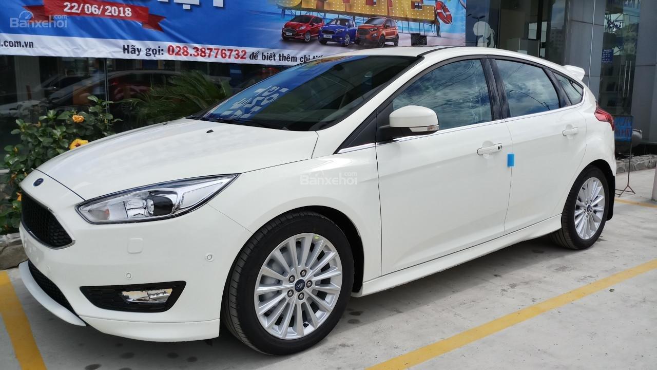 Bán Ford Focus 2018 Ecoboost, tặng ngay: Dán phim, camera hành trình, ghế bọc da, giao xe toàn quốc-5