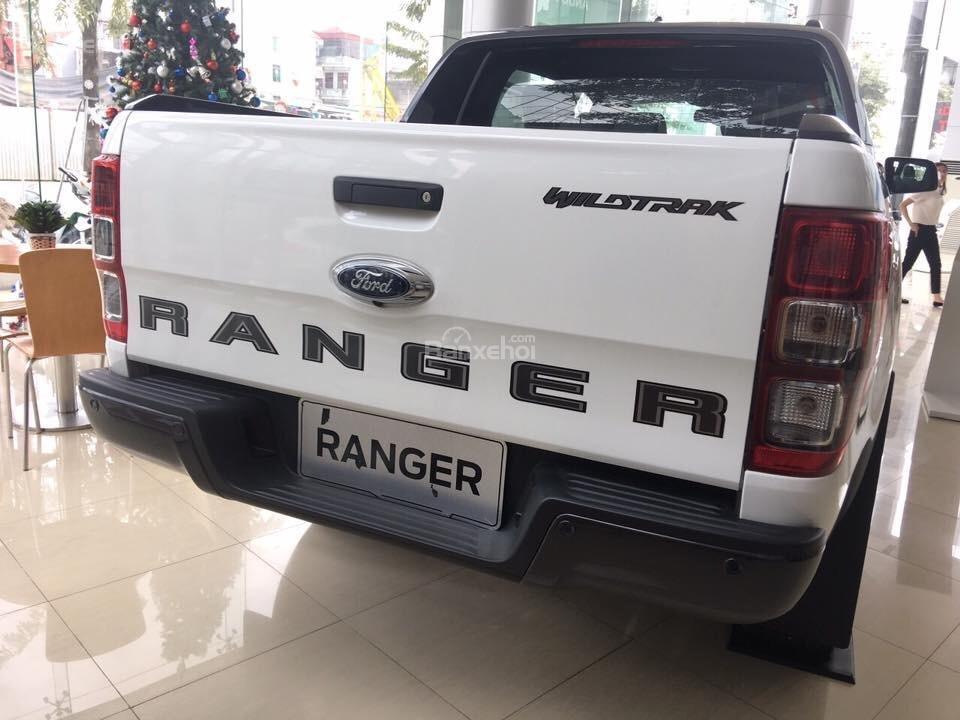 Bán xe Ford Ranger Wildtrak 2018 màu trắng, cam, xanh, đỏ. Giao ngay giá rẻ nhất trả góp 90% - Hotline: 084.627.9999-1