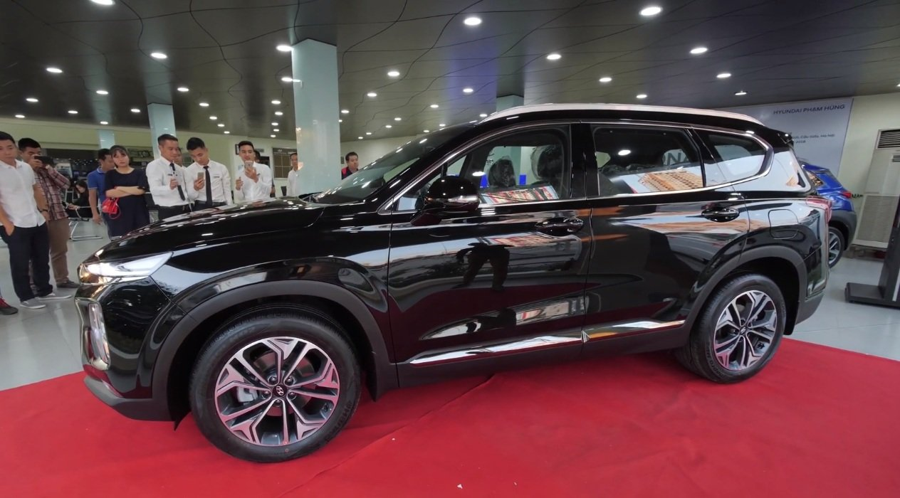 Hyundai Santa Fe 2019 ra mắt gần Tết, đại lý lại chơi chiêu ''''''''mua bia kèm lạc'''''''' mới giao xe? _ ảnh 1.