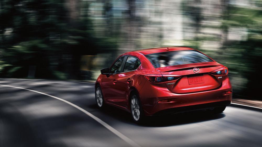 So sánh xe Mazda 3 2018 và Kia Cerato 2019 về khoang hành lý.