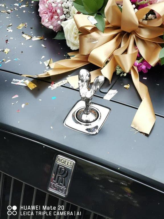 Rolls-Royce Ghost đen độc đáo bất ngờ xuất hiện trong đám cưới ở Nghệ An a6
