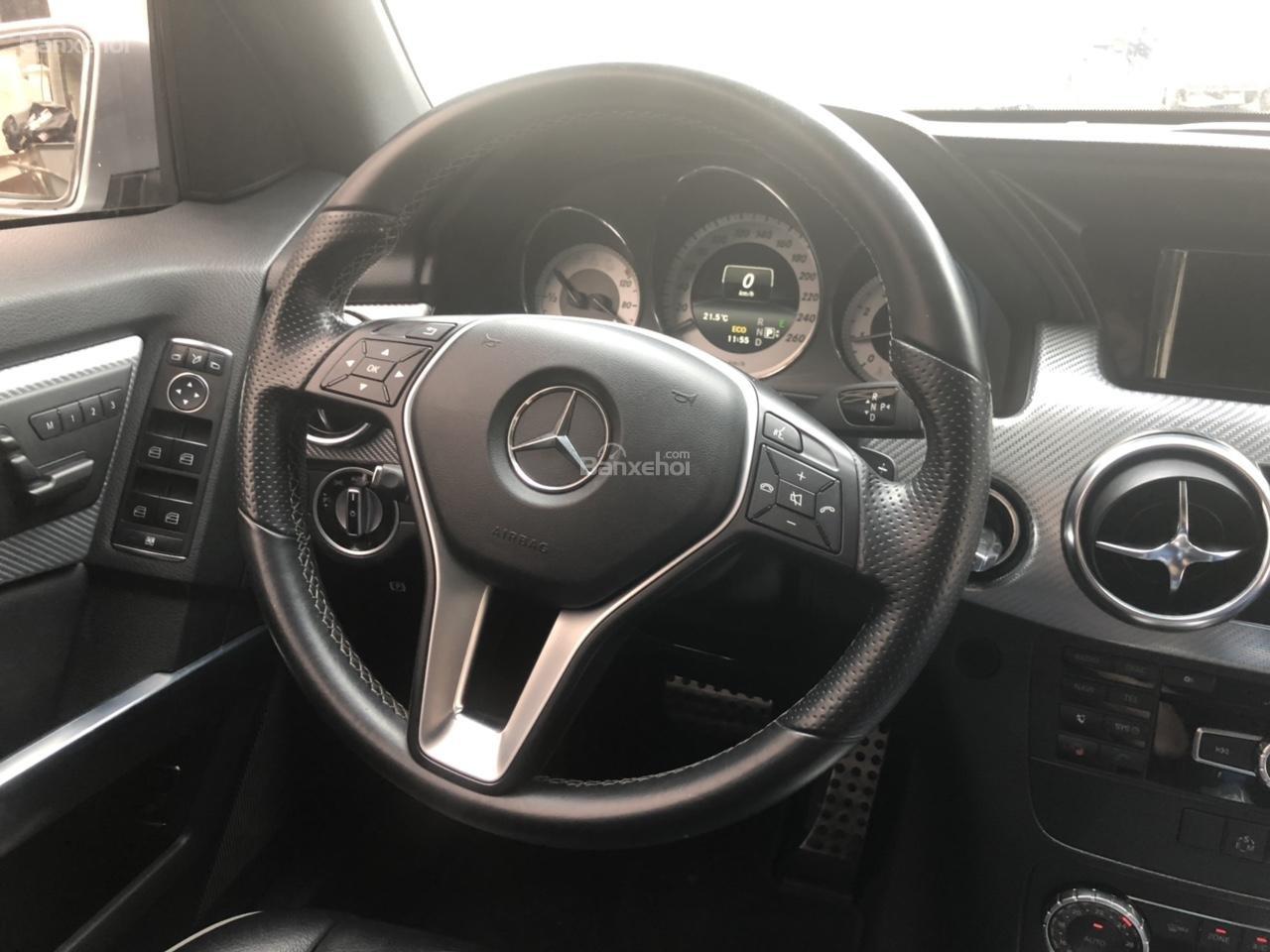Cần bán xe Mercedes GLK Class năm sản xuất 2013-3