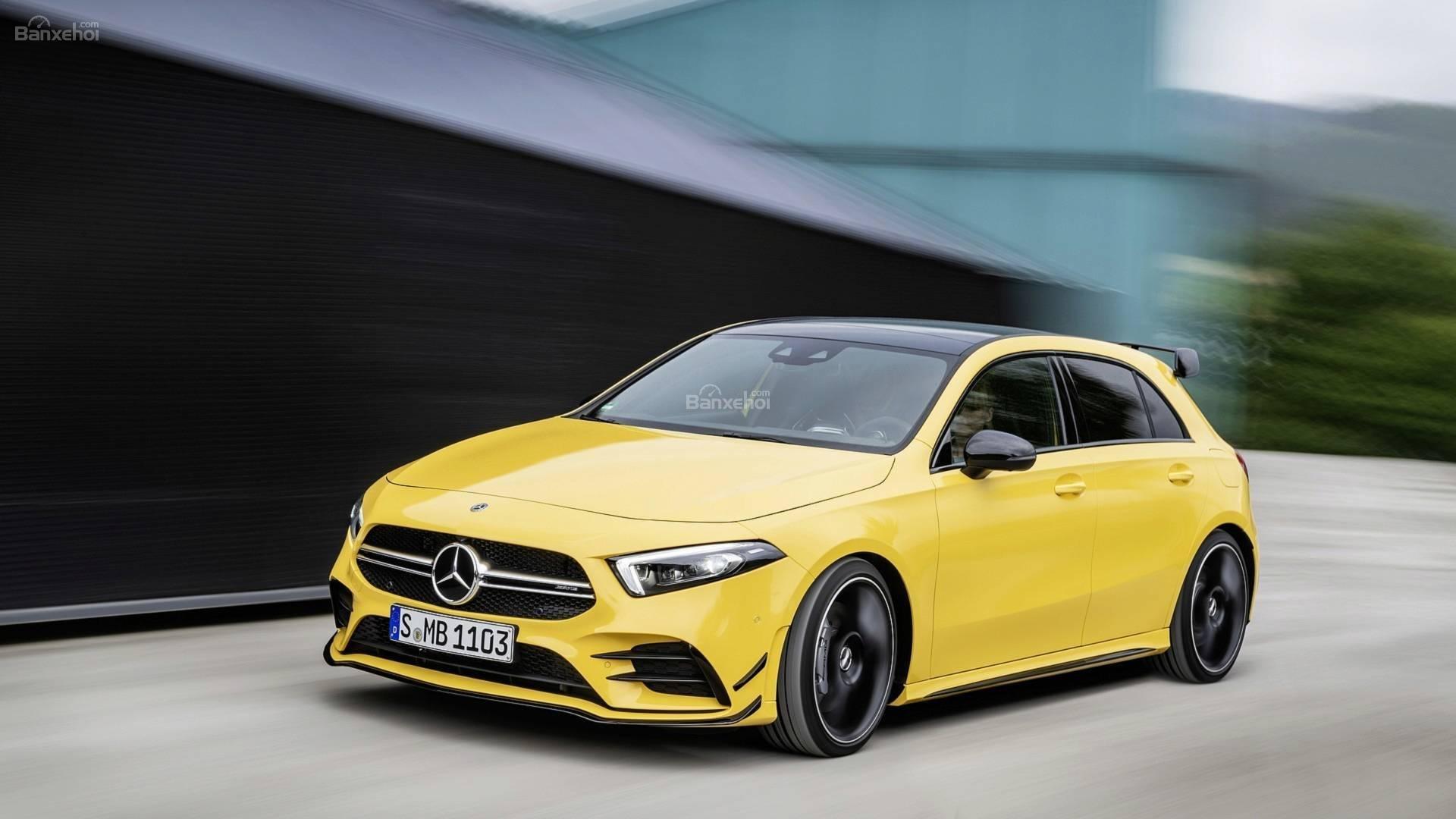 Đánh giá xe Mercedes-AMG A35 2019 - đầu xe 2