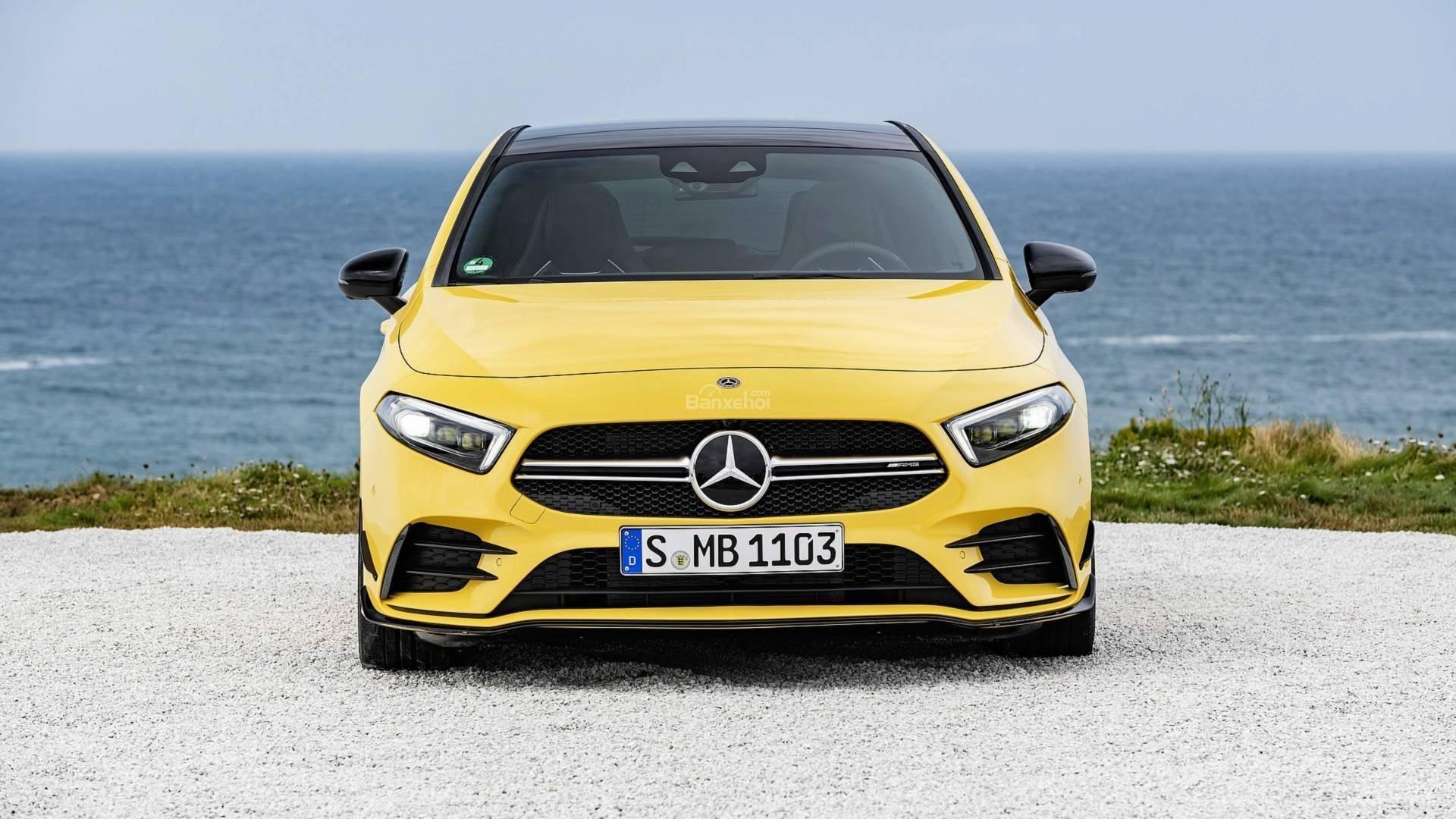 Đánh giá xe Mercedes-AMG A35 2019 - đầu xe 1