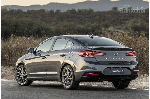 Hyundai Elantra Eco 2019..