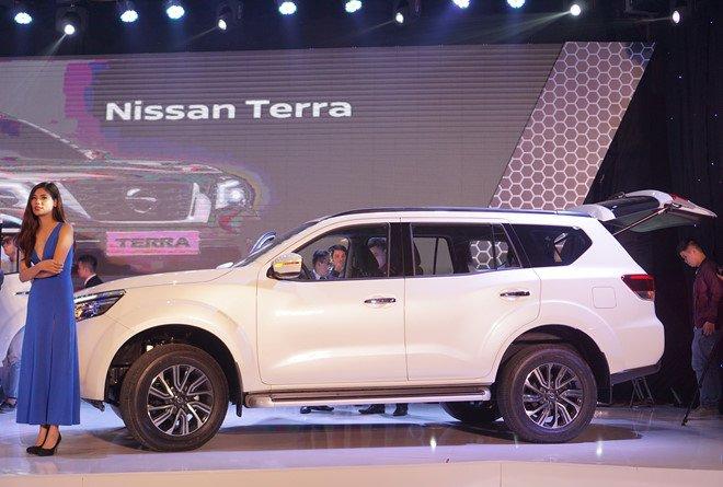 Vừa ra mắt, Nissan Terra 2019 đã giảm giá tại Việt Nam a3