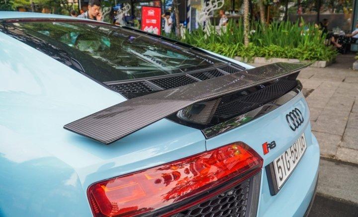 Bắt gặp Audi R8 V10 Plus màu độc của Cường Đô-la dạo phố Sài Gòn a13