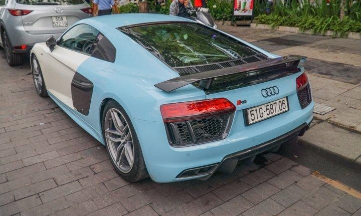 Bắt gặp Audi R8 V10 Plus màu độc của Cường Đô-la dạo phố Sài Gòn a10