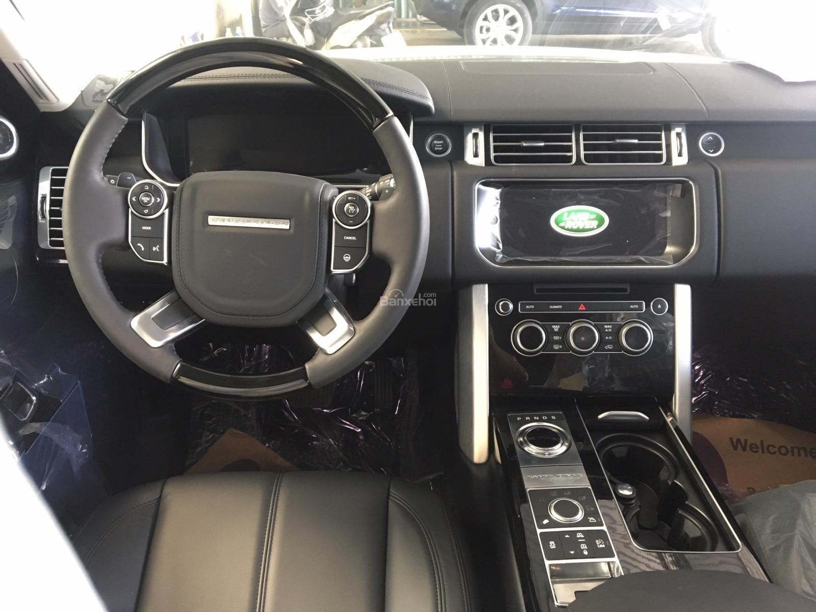 Bán xe LandRover Range Rover HSE 3.0 năm sản xuất 2017, màu trắng, nhập khẩu nguyên chiếc-7