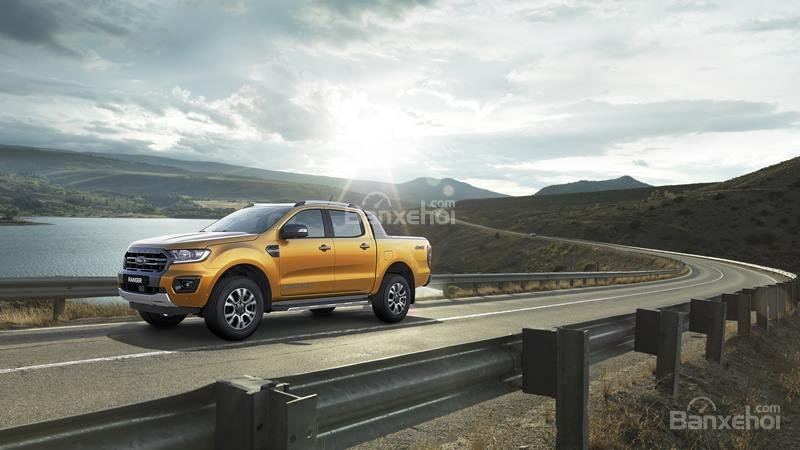 Ford Ranger 2019 new, tặng nắp thùng + Bảo hiểm, hỗ trợ vay 85% - liên hệ: 0909099106-3