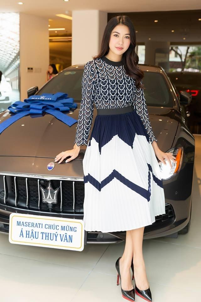 Ngắm xe sang Maserati Quattroporte GranLusso gần 8 tỷ đồng của Á hậu Thúy Vân 8.