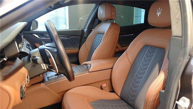 Ngắm xe sang Maserati Quattroporte GranLusso gần 8 tỷ đồng của Á hậu Thúy Vân 6.