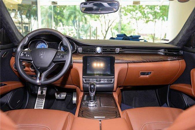 Ngắm xe sang Maserati Quattroporte GranLusso gần 8 tỷ đồng của Á hậu Thúy Vân 5.