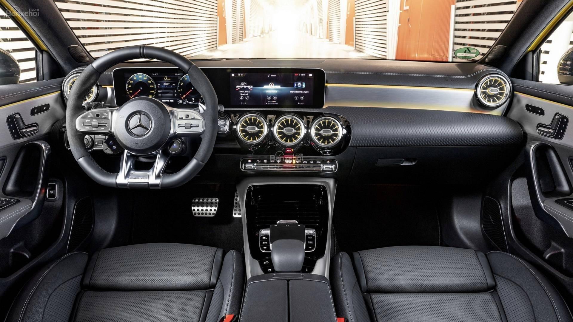 Ảnh chụp nội thất Mercedes-AMG A35 2019 - ảnh 1